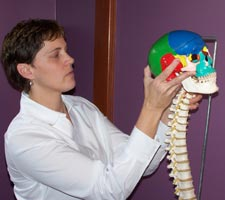 Dr. Barb explaining spinal cranial function.